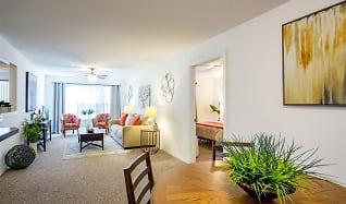 Open living area, Vista Haven