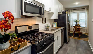 Cool Lakeview 3 Bedroom Apartments For Rent Chicago Il 290 Complete Home Design Collection Barbaintelli Responsecom
