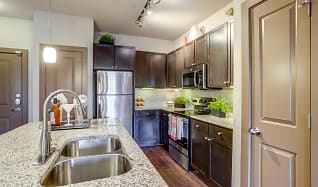 Kitchen, Highpoint At Cypresswood Apartments