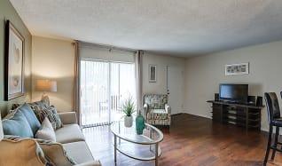 Living Room, L Estancia Garden Apartments