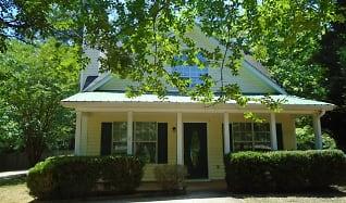110 Pemberton Place, Sharpsburg, GA