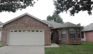 1144 Breezewood Drive, Highland Village, TX