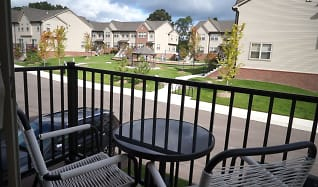 Encore Townhomes, Shelby charter, MI