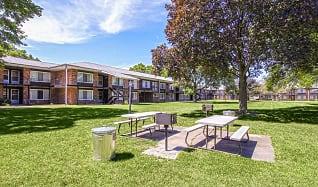 Recreation Area, Cambridge House Apartments