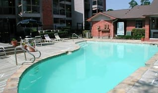 Pool, Riverwalk Apartments