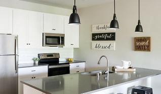Kitchen, Lamphouse