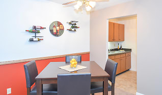 Dining Rooms with Ceiling Fans, Gateway Gardens