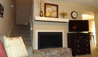 Living Room, Shenandoah Ridge Townhomes