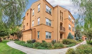 Building, College Park Apartment Homes