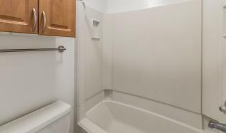Bathroom, Riviera Pines