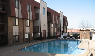 Pool, Garden Pines Apartments