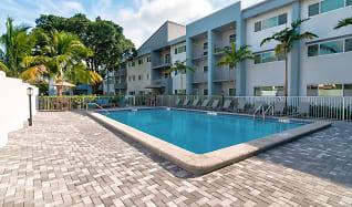 Pool, 2500 Boca on Federal