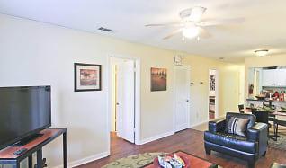Living Room, Market 100