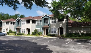 Building, Country Club Lakes