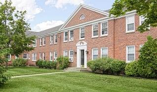 Building, Williamsburg Court Apartments