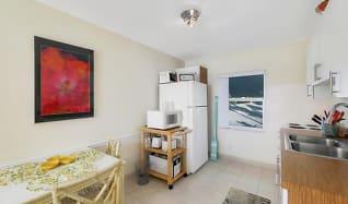 Kitchen, 206 Inlet Way 9