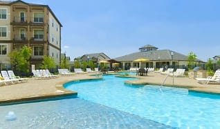 Pool, Olympus Woodbridge