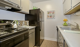 Kitchen, The Avalon Apartment Homes