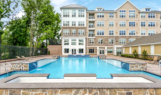 Pool, The Point at Glen Mills