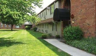 Courtyard, Castle Club Apartments