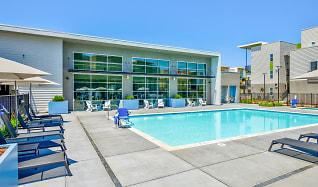 Pool, Hub Apartments