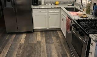 Kitchen, 156 RIDGEFIELD DR