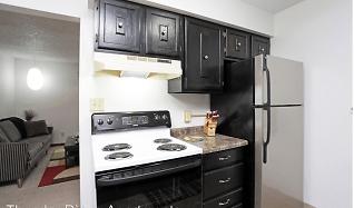 Kitchen, Thunder Ridge Apartments