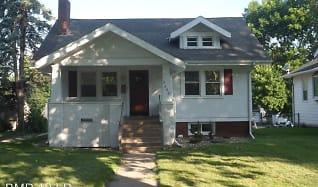 2600 1st Ave NE, Czech Village, Cedar Rapids, IA