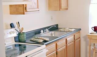 Kitchen, Poplar Place Townhomes
