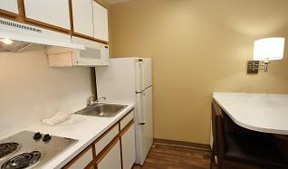 Kitchen, Furnished Studio - Boca Raton - Commerce