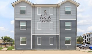 Building, Aria at Wilcrest