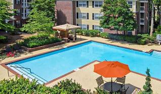 Pool, Madison Brookhaven