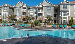 Pool, View at Legacy Oaks