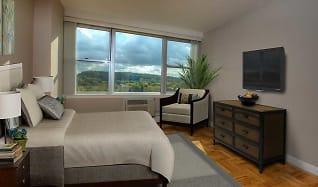 Bedroom, 1600 East Avenue Apartments