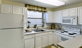 Kitchen, The Point at North Quincy