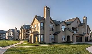 Arborwalk Apartments For Rent Lees Summit Mo Apartmentguide Com