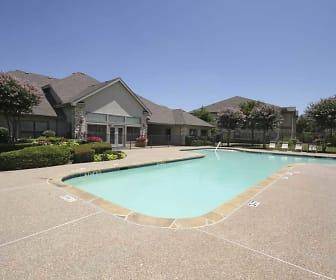 Pool, Ridge Parc