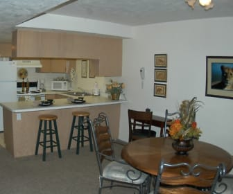 Large Kitchen & Dining Room, Cedar Breaks