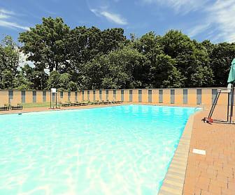 Pool, Penn Crest Gardens