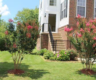 13070 Rose Petal Circle, Herndon, VA