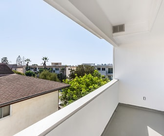 8710 Delgany Ave Unit 33, Playa Del Rey, CA