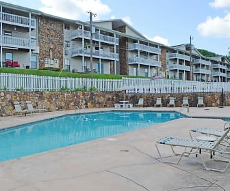 Pool, Carriage Hill Apartments