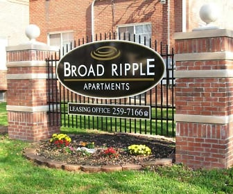 Community Signage, Broad Ripple Apartments