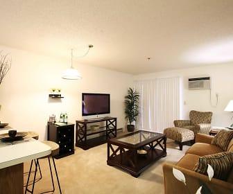 Living Room, La Triumphe