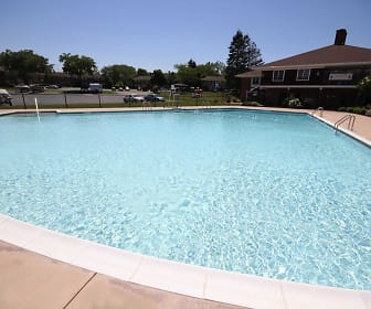 Pool, Greenleaf Meadows