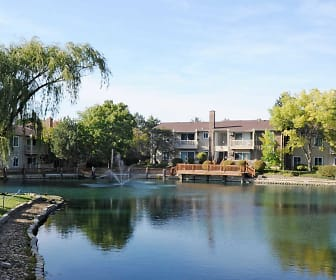 Lake, Natural Falls Resort Apartments