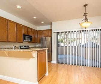 Kitchen, 941 W Carson St