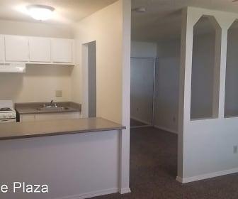 Kitchen, Shoreline Plaza