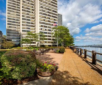 Riverfront Towers, Detroit, MI