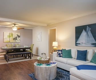 Living Room, Highland Pinetree Apartments